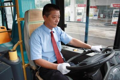 公交就是乘客的家-江阴市公交公司 何顺林党员标兵工作室高清图片